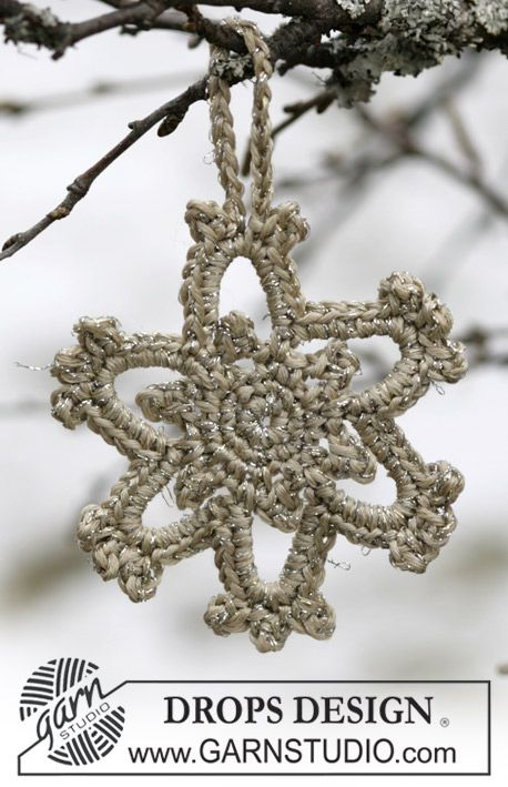 "DROPS 104-44 - Christmas Star in ""Cotton Viscose"" and ""Glitter"" - Free pattern by DROPS Design"
