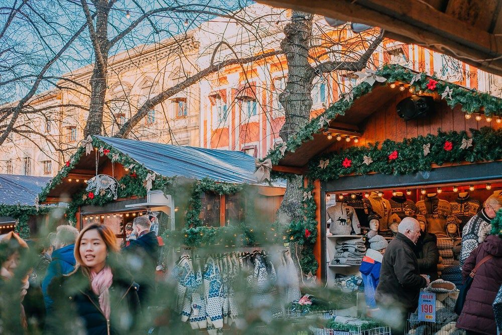 Visiting The Oslo Christmas Markets A Video Heart My Backpack Norway Christmas Oslo Christmas Market