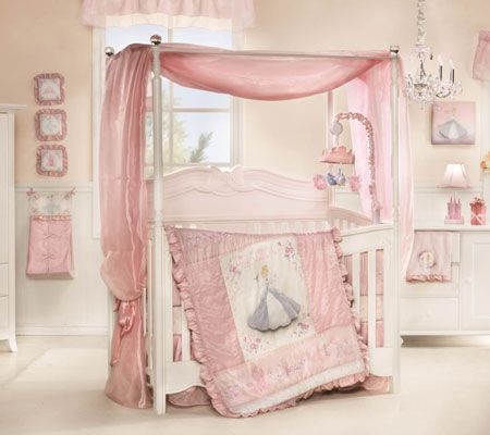 Your Very Own Little Princess Will Enjoy A Magical Night S Slumber With This Disney Baby Cinderella Premier Crib Bedding Set Featuring