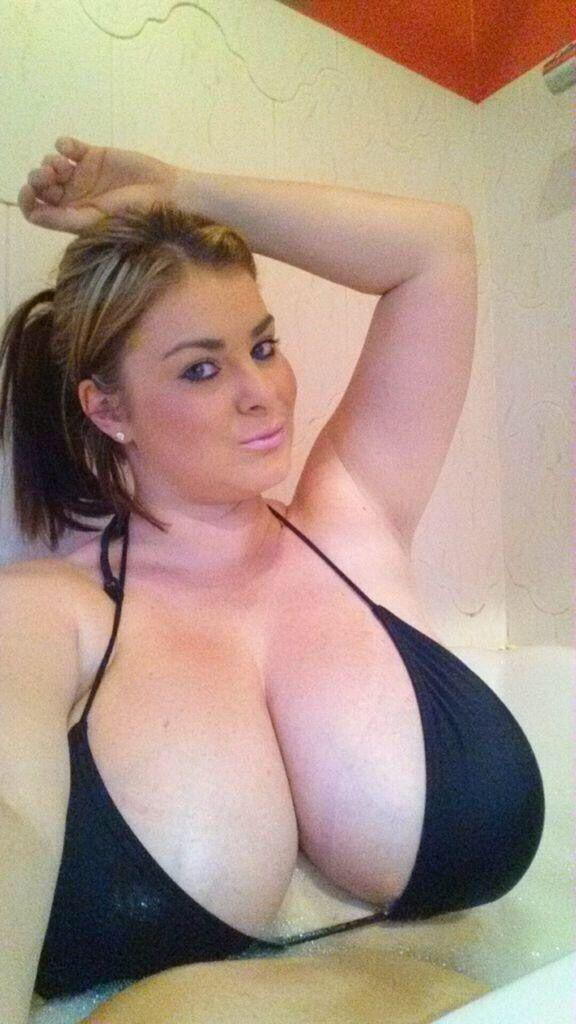 Beautiful tits in bra