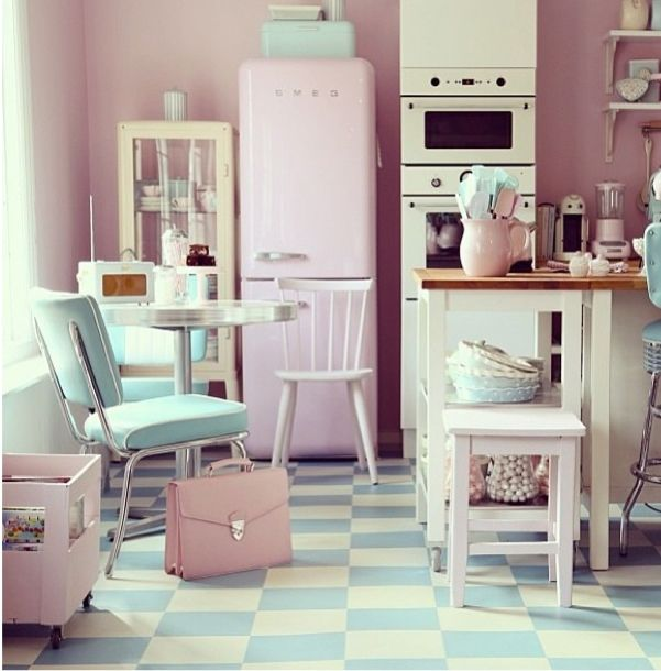 Pastel light blue checkerboard floor pink smeg pink and blue - baby born küche