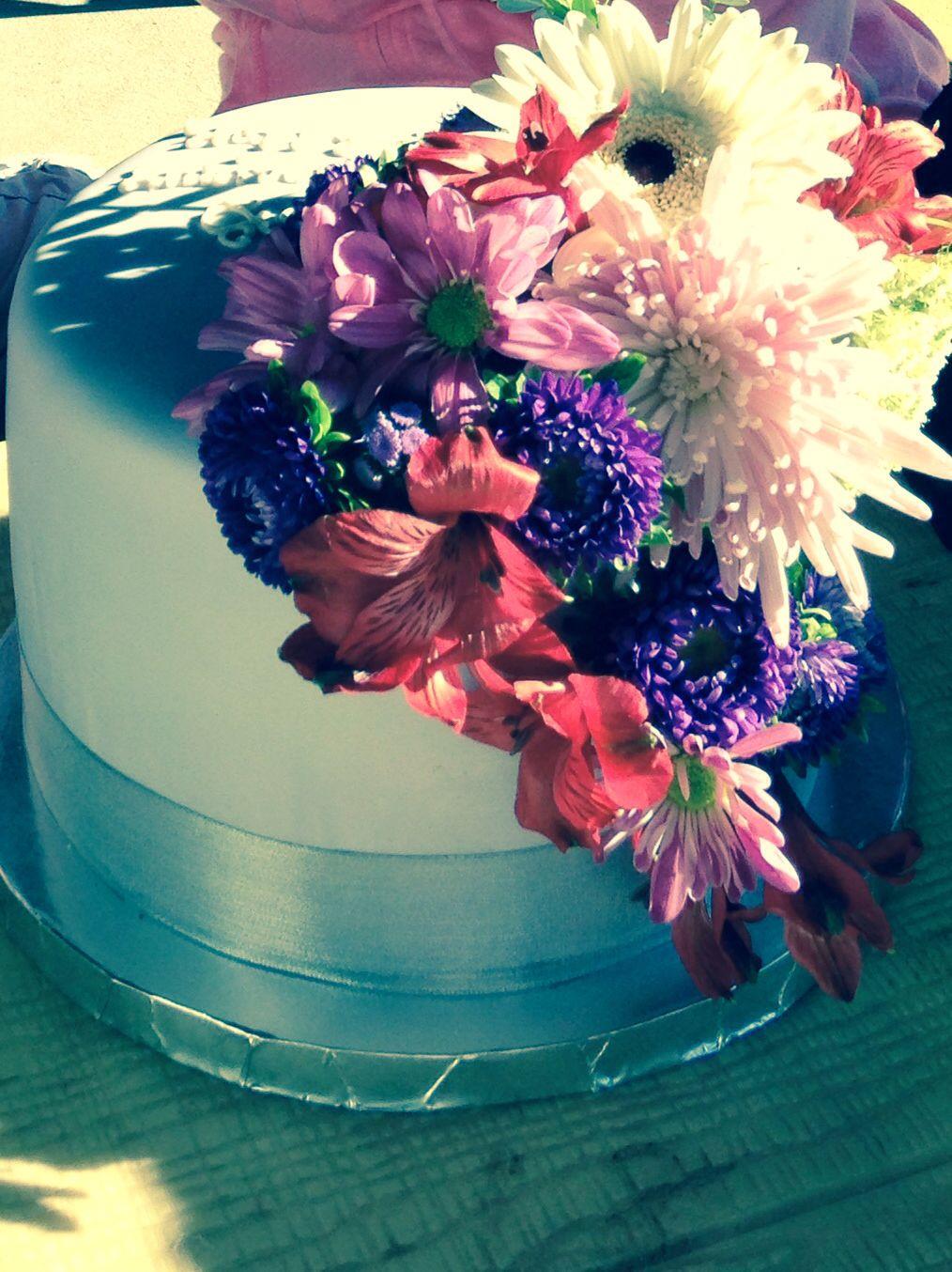Dulce De Leche Flower Cake