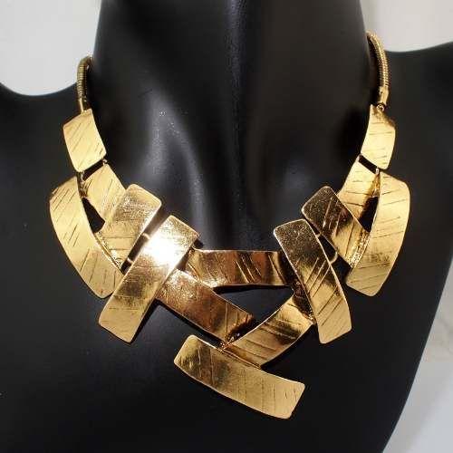 f25e5088a811 Collar dorado