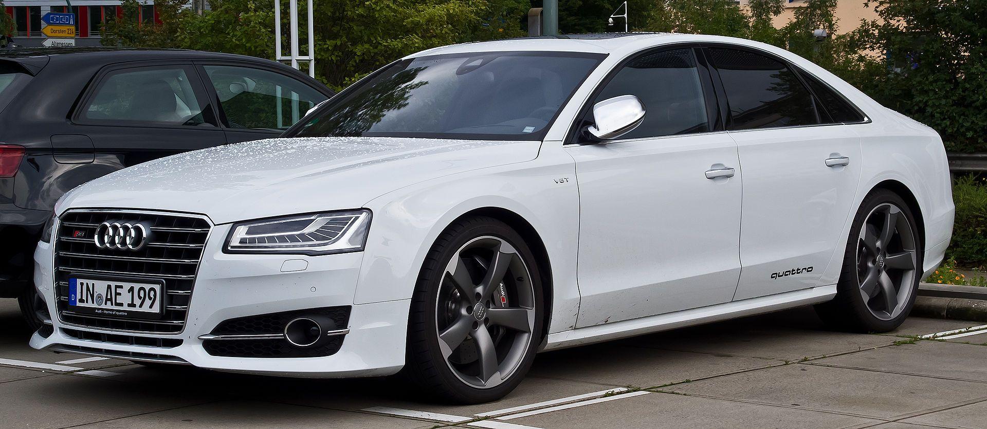 Audi S8 (D4, Facelift) – Frontansicht, 16. August 2014, Essen.jpg