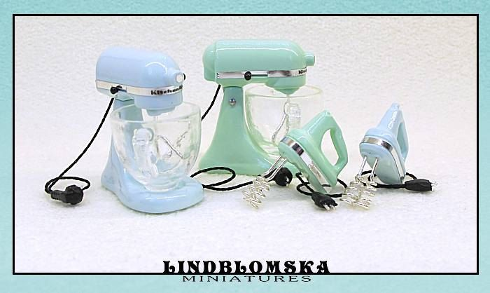 Tabletop mixer in seafoam color for your dollhouse by Lindblomska