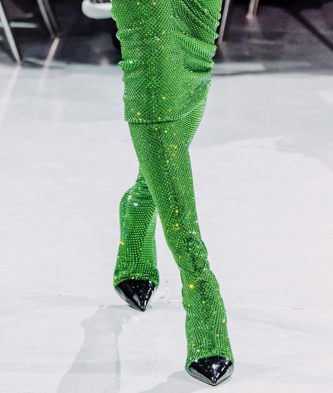 SHEER GREEN – TREND ENVY