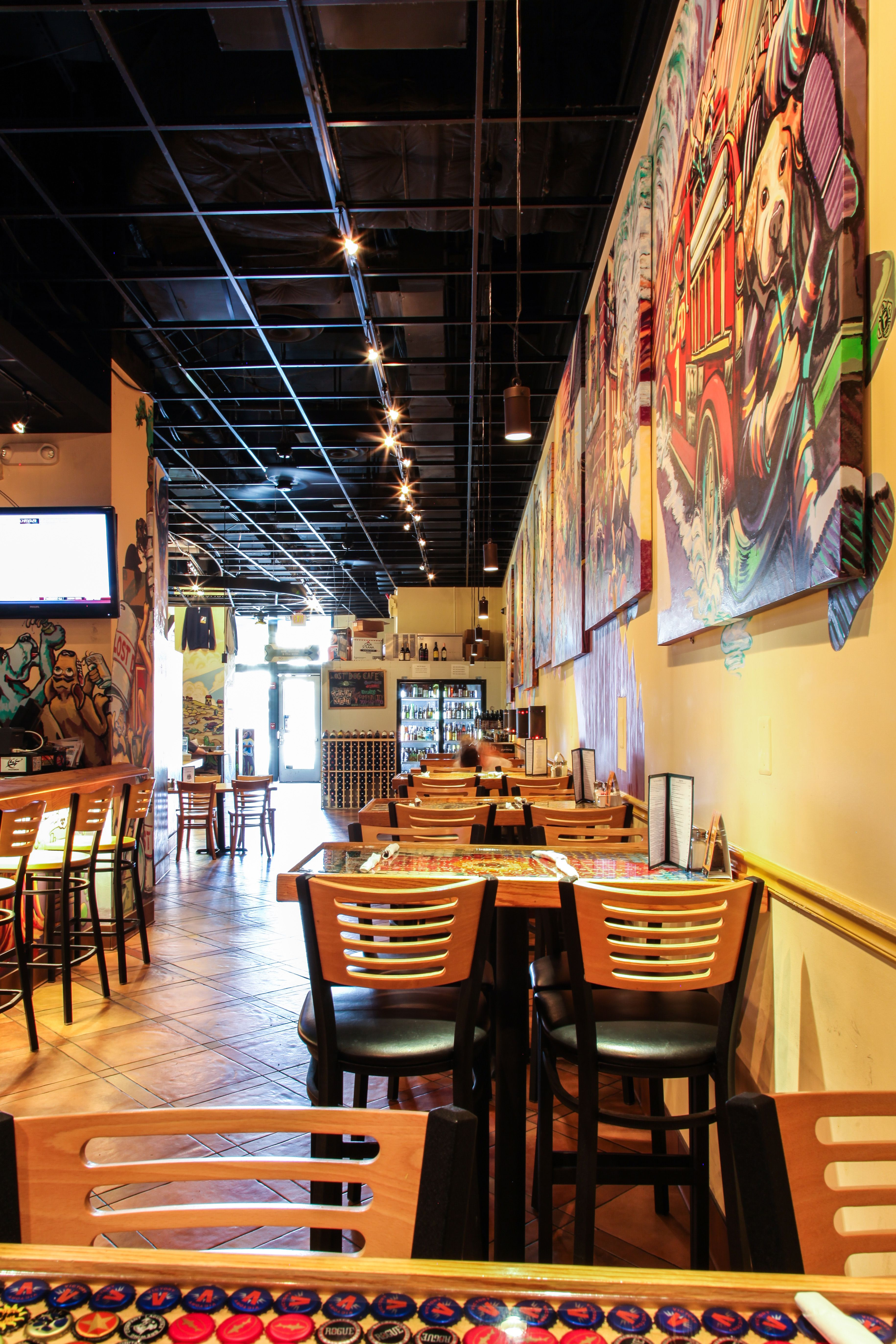 Lost Dog Cafe - South Arlington - Bar Height Tables | FOCUS