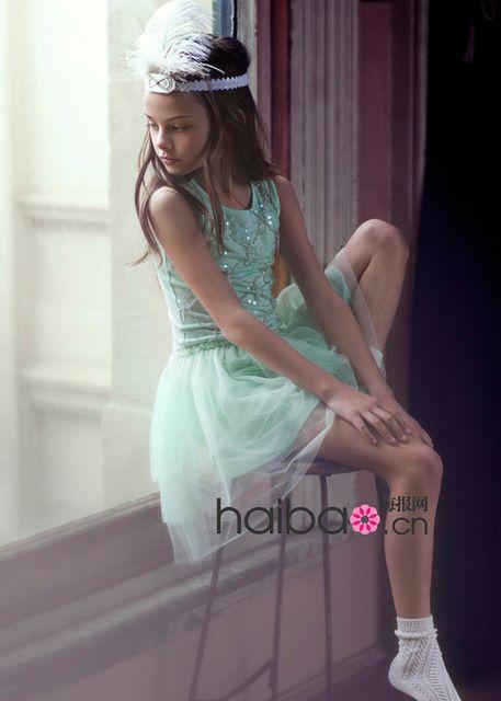 little girl flower dress (3), via Flickr.  Flower Dress #2dayslook #ramirez701 #FlowerDress  www.2dayslook.com