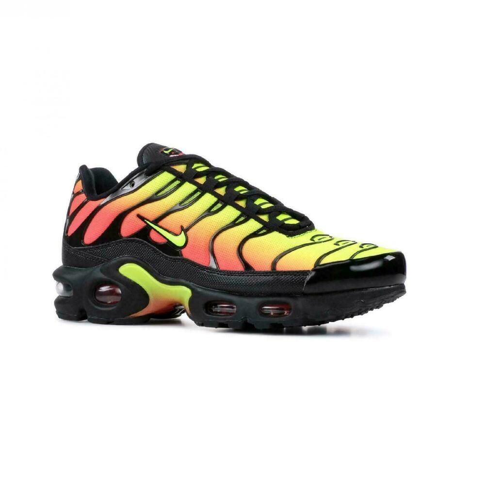 5af5be39b1238 Nike Women's Air Max Plus TN SE Running Shoes Black Volt Solar ...