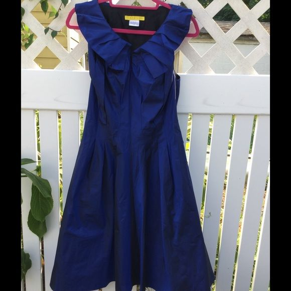 Silk Dress,by Flores-Flores, beautiful! Beautiful fit and flare dress. Portrait collar, Princess seaming, yummy soft silk! Flores-Flores Dresses