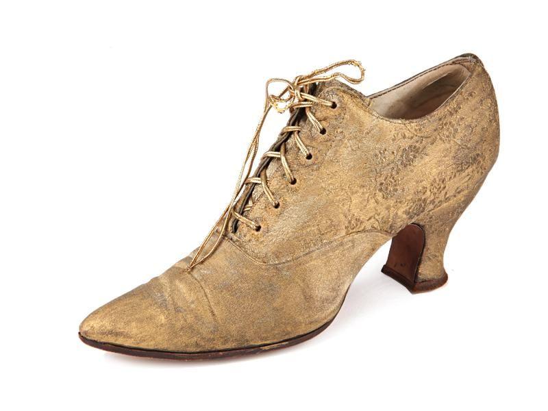 32434fda Shoe-Icons / Shoes / Gold lame front lacing Louis heel shoes ...