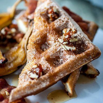 Cinnamon Waffles with Vanilla Yoghurt and Nanica Banana