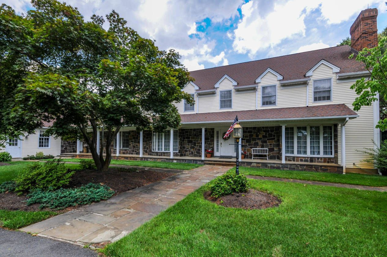 Equestrian Estate For Sale in Middlesex County, New Jersey