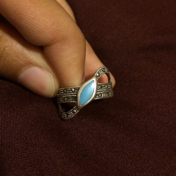 """BOGO FREE unique sterling silver ring I love this, I get so many compliments when I wear it!  Purchased form Nordstrom! Choose from any item marked """"FREE✅"""" in title to be free with any $12+ order! Urban Outfitters Jewelry Rings"""