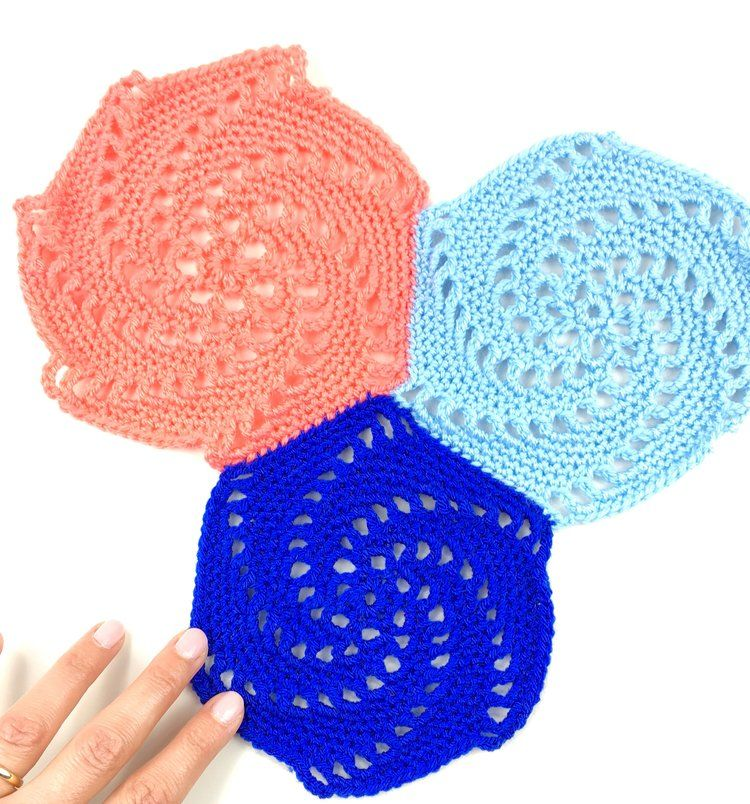 how to crochet the vintage swirly hexagon pattern