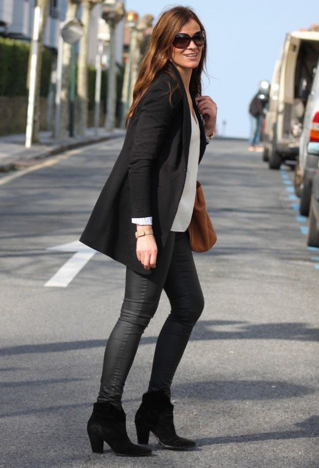 18 Street Style Outfit Ideas With Ankle Boots Fashionsy
