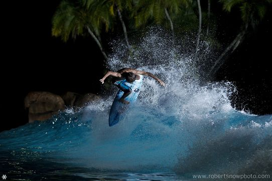 Surf @ Night © Robert Snow