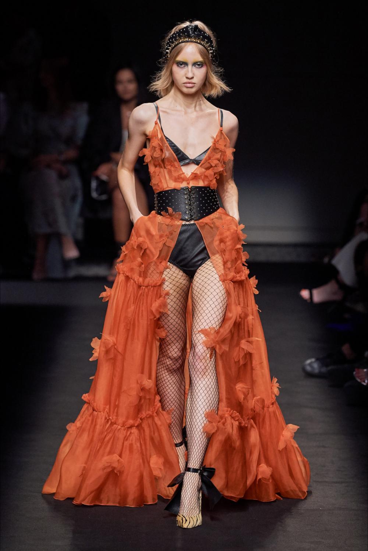 Sfilata Dundas Parigi – Alta Moda Autunno-Inverno 2019-20 – Vogue