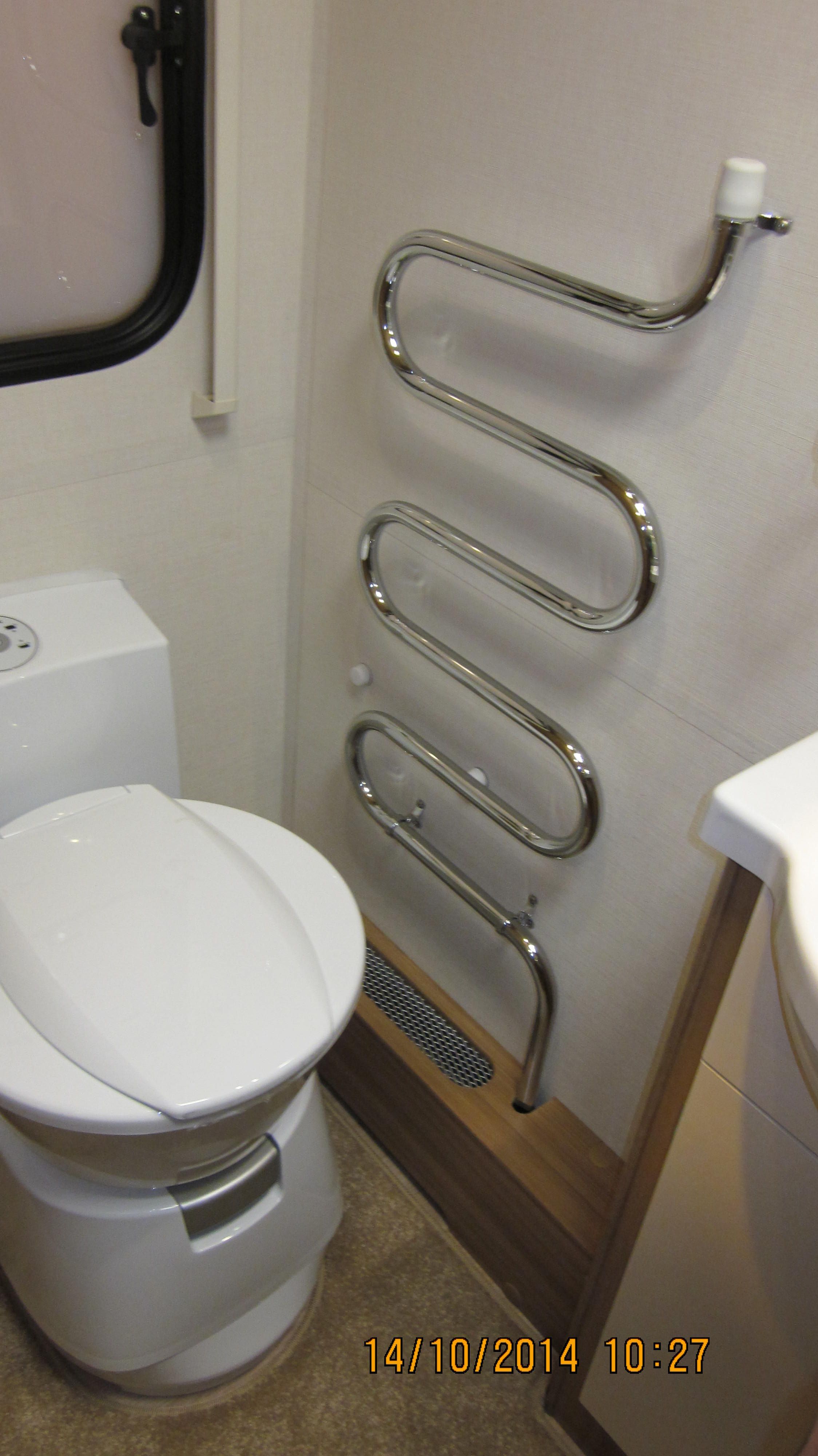 Lunar Clubman Sb Heated Towel Rail And Dometic Electric Flush