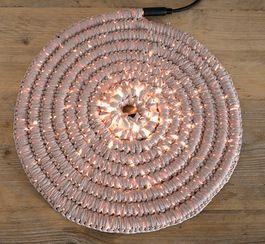 Tutoriale DIY: Cómo tejer una guirnalda luminosa en espiral vía DaWanda.com