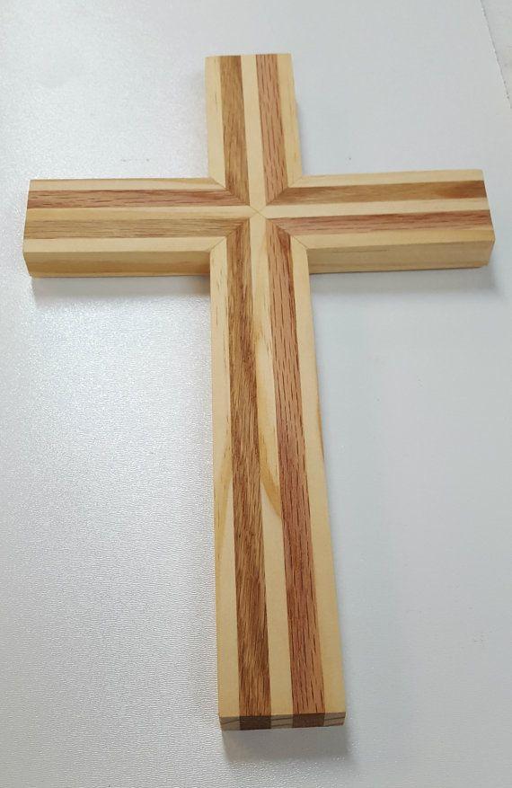 Pared madera Cruz hecha de roble y pino Cruz de madera hecha