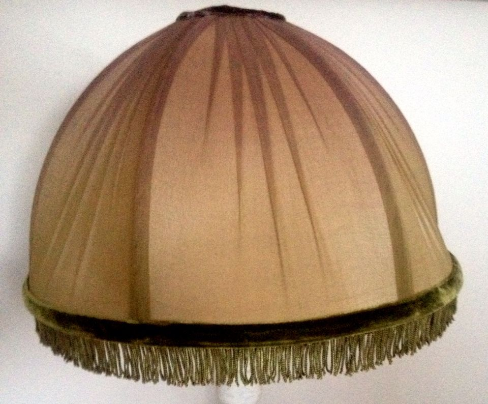 The Shade Unlit A Beautiful Late 1920 S Early 1930 S American Made Chinese Styled Table Lamp Of A Scholar It S Original Shade Needed To Be Restored So