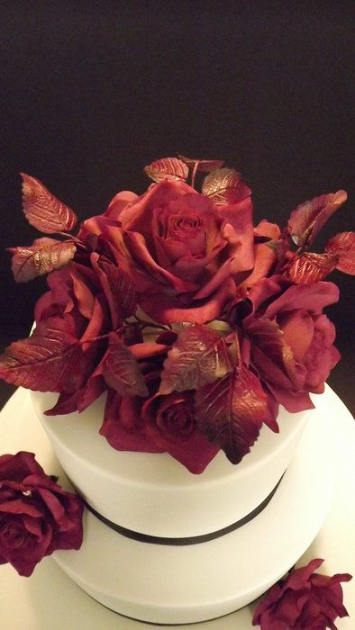 Sugar roses... By Unusual Cakes For You