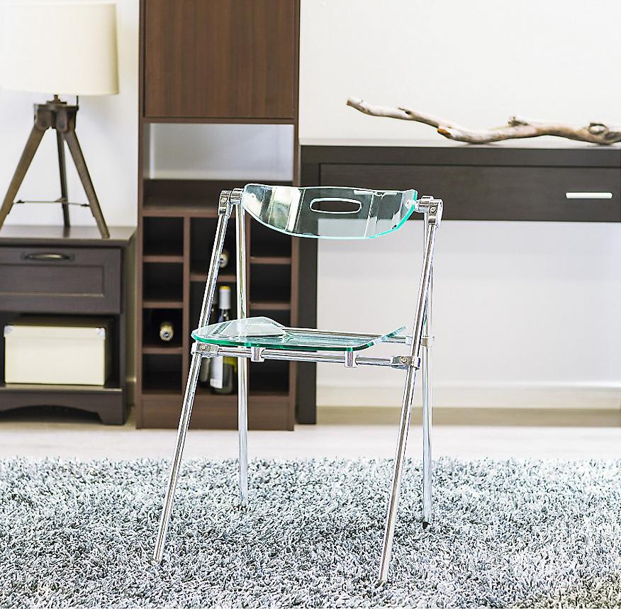 Pr ctica silla plegable de metal acr lico transparente ideal para un escritorio sodimac Sillas plegables de diseno