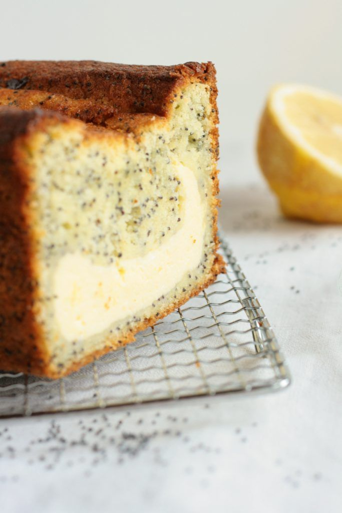Zitronenkuchen mit Mohn mit Käsekuchen-Füllung -