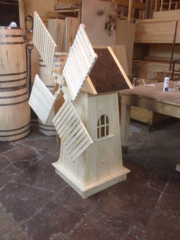 Мельница - MyKingList.com | Wooden windmill, Garden ...
