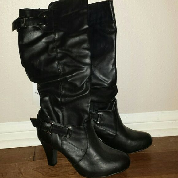 NWT Rue 21 Boots! Black boots with buckles on the side and top. These are a size M 7/8 from Rue 21 which in my opinion fits like a 7.5. Rue 21 Shoes Heeled Boots