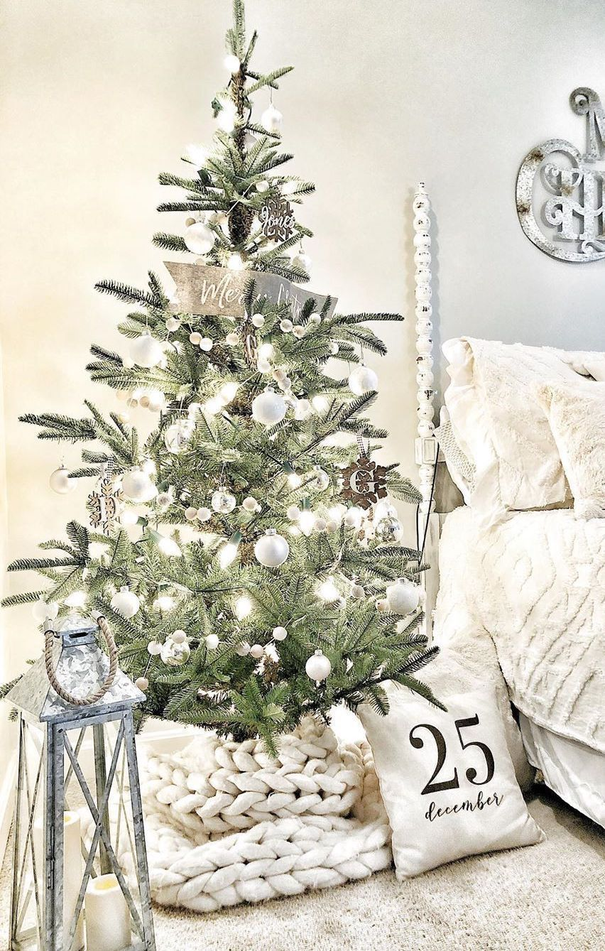 9 Scandinavian Christmas Tree Decor Ideas In 2020 Scandinavian Christmas Trees Scandinavian Christmas Modern Holiday Decor