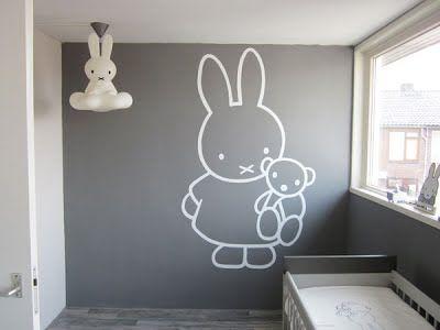 Babykamer Ideeen Muur : Nijntje babykamer poppeliers muurschilderingen baby pinterest