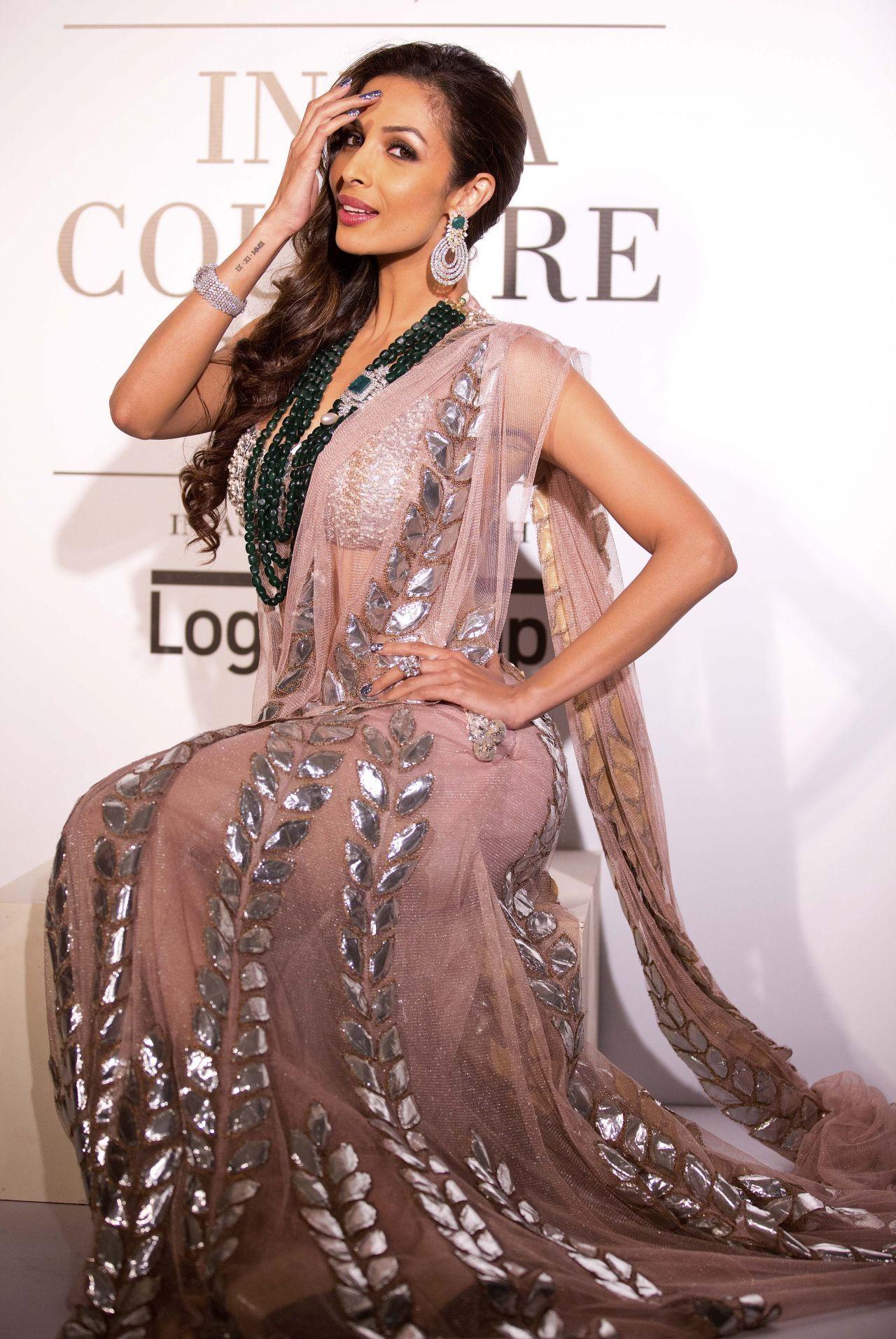 Malaika arora khan rina dhaka fashion show july love for