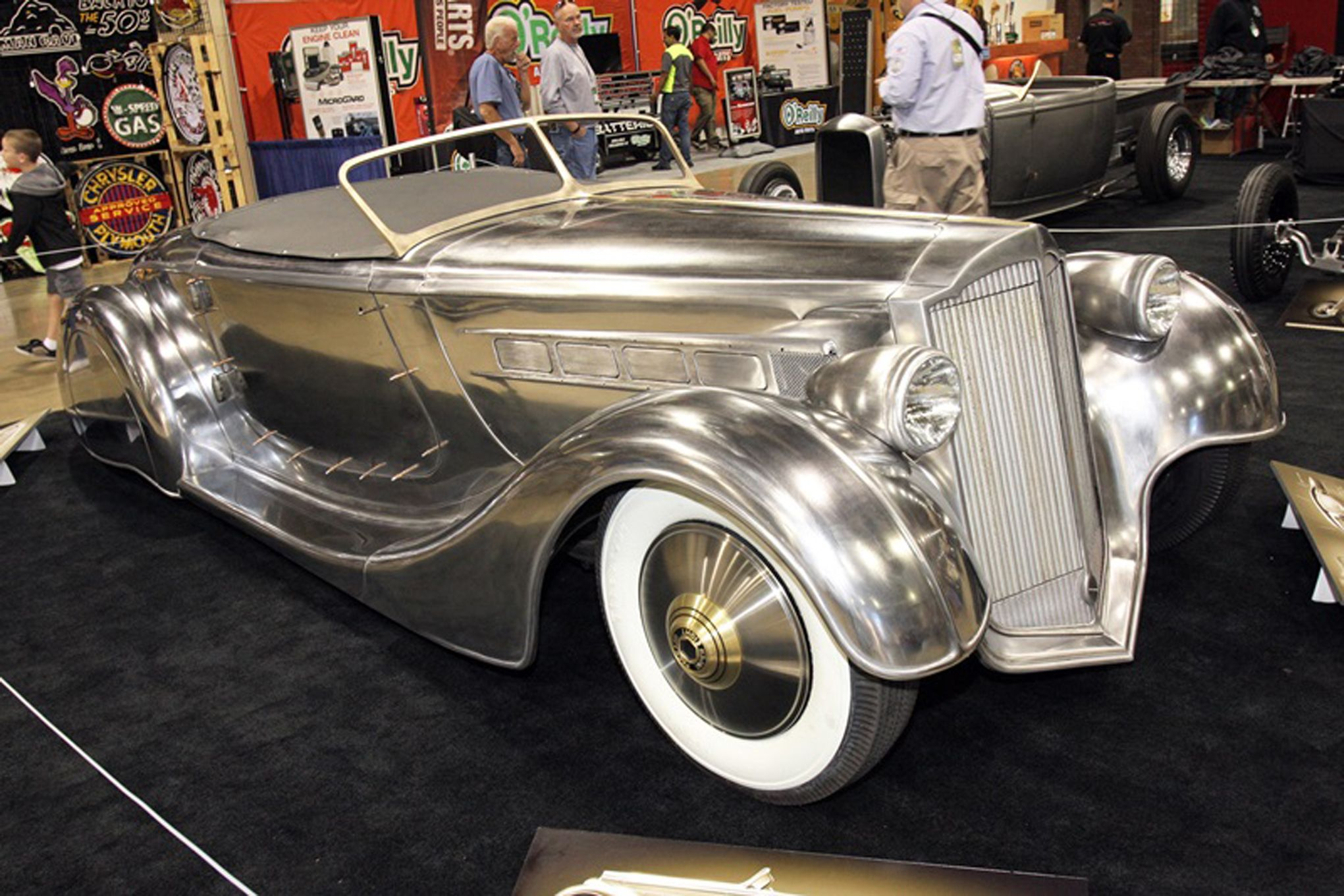 http://www.hotrod.com/articles/this-1936-packard-roadster-is-a ...