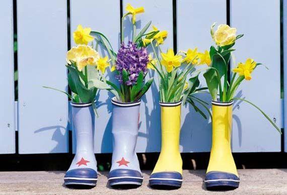 Macetas Originales Hechas Con Botas De Agua Macetas Originales Bulbos De Primavera Botas De Agua