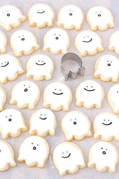 17 Halloween Sugar Cookie Ideas You Can Actually Do Yourself #halloweensugarcookies