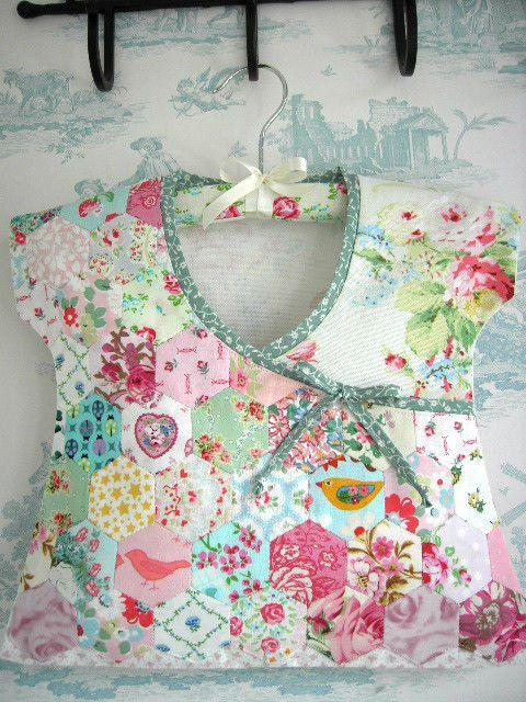 2  Hexagon EPP Patchwrk Laura Ashley Cath Kidston fabric incl Peg Bag  Storage