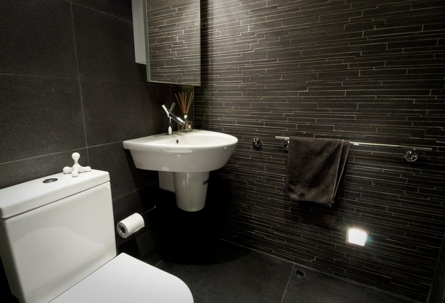 black and white bathroom makes it more classic yet modern a