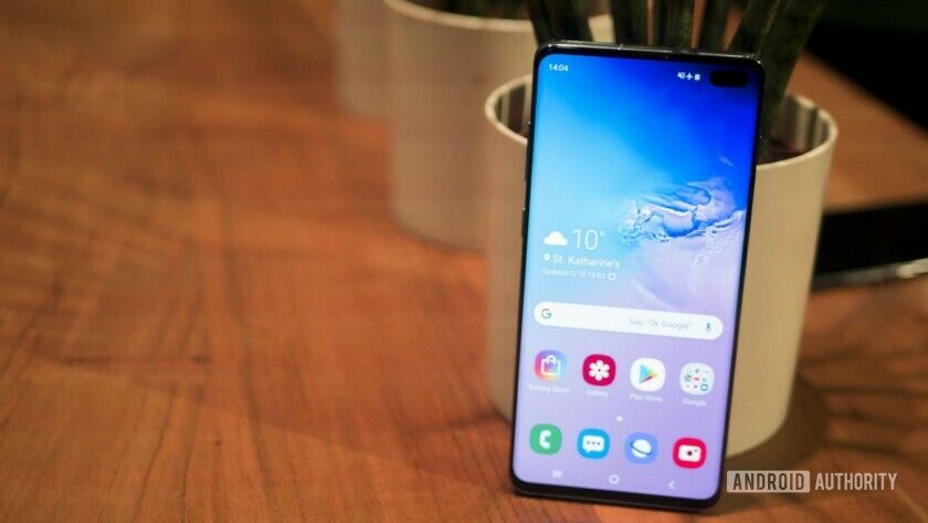Samsung Galaxy S10 wallpapers are here Download them at
