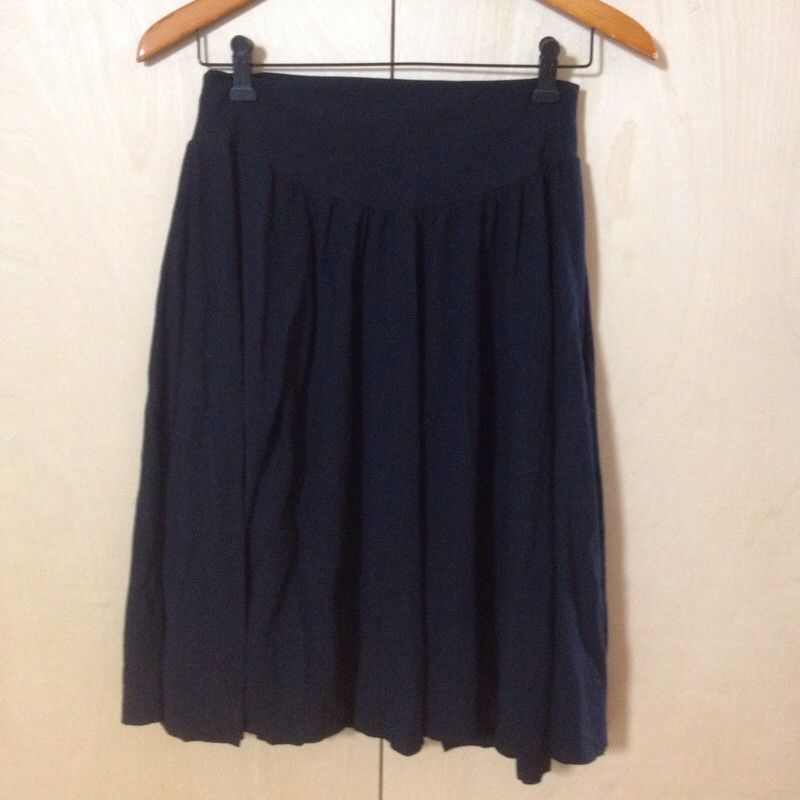 American Apparel long black cotton skirt size L loose and pleated ...