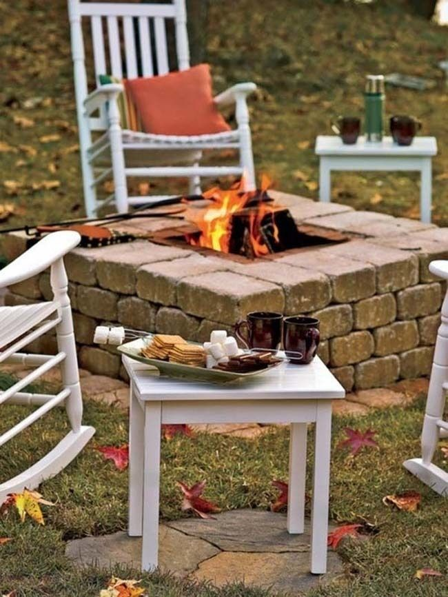 The perfect end-of-summer setting! 33 Thrifty DIY Backyard Ideas To Make This Summer The Best One Yet