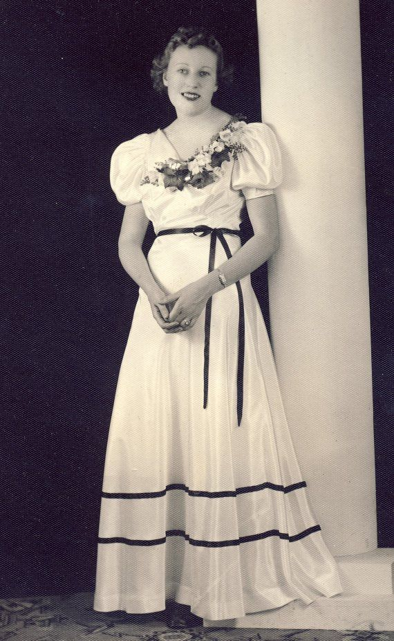 1930s Prom dress worn by a young woman | Era 1940's | Pinterest ...