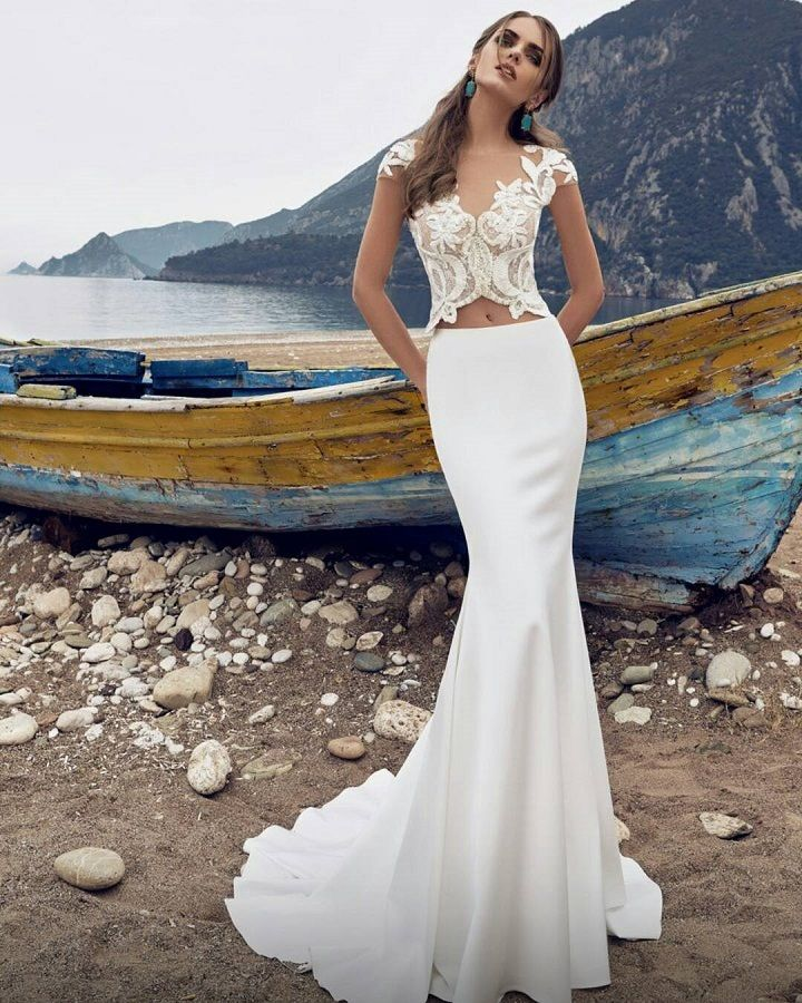 Two pieces wedding dress by Lanesta #weddingdress #weddingdresses #bridalgown #bride #engaged #wedding