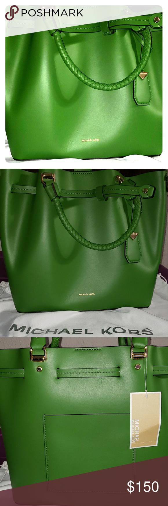 74d46dca56b7 Michael Kors Blakely Leather Bucket Bag True Green