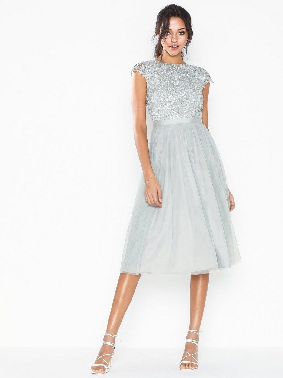 pin på kjoler