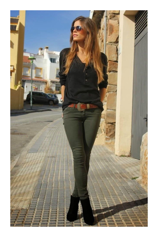 ba92b3a045 Cómo combinar el color verde militar  TiZKKAmoda  verdemilitar  verde   comocombinarverdemilitar  militar  pantalon