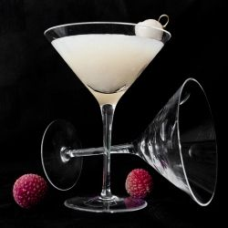 Summer Vodka Martini Recipe: Lychee Martini