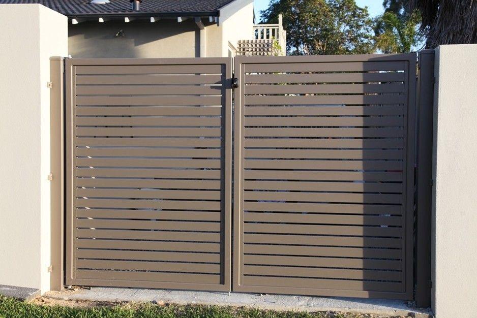 Aluminium slat gate in colour jasper simply fencing