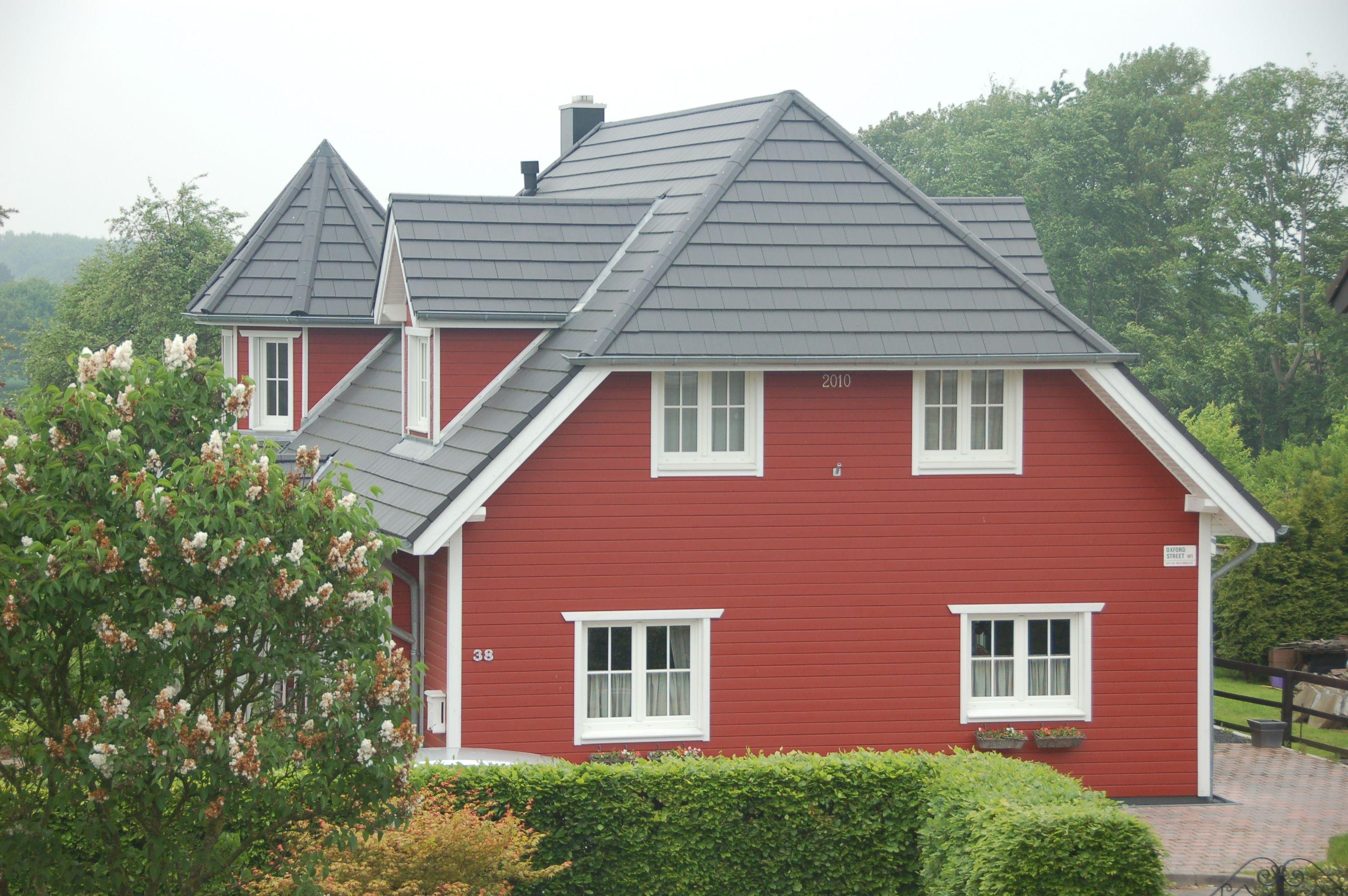 Color for wooden houses. Farbe für Holzhäuser